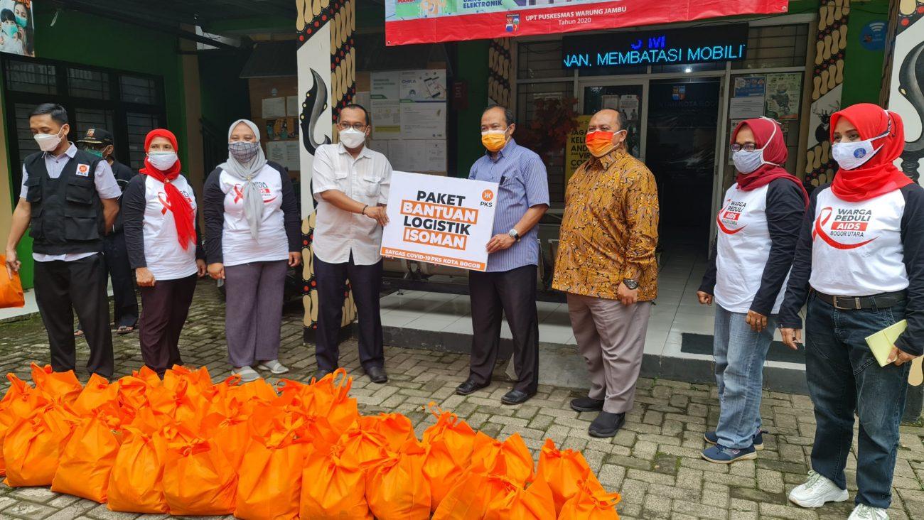 Abah Iwan Suryawan dan Atang Trisnanto Berikan Bantuan Logistik
